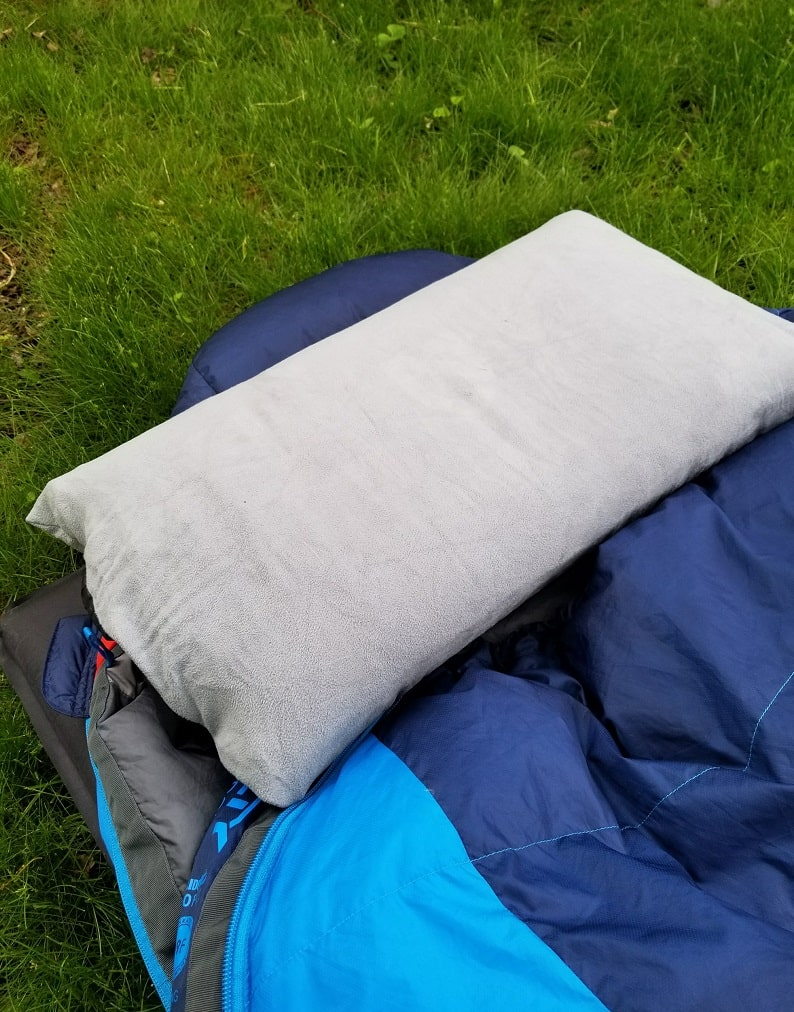 nemo fillo backpacking pillow on my kelty cosmic 20 sleeping bag